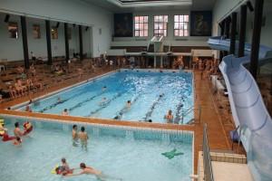NATURIST- og BABY svømning i @ Frederiksberg Svømmehal