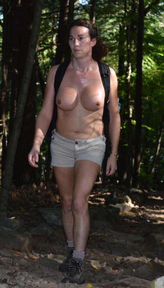Garten puts piger med store bryster