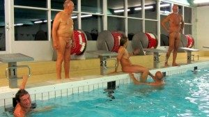 Herfølge: Nøgensvømning @ Herfølge Svømmehal